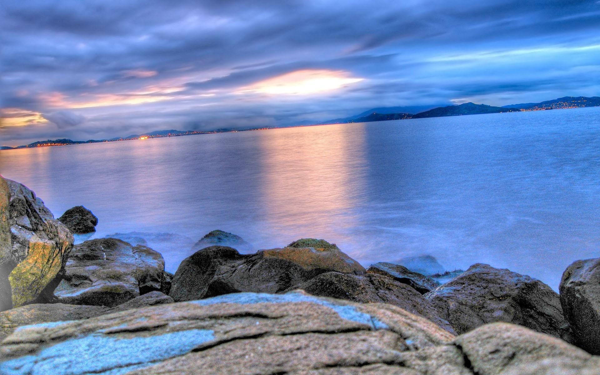 rocky shore 33974