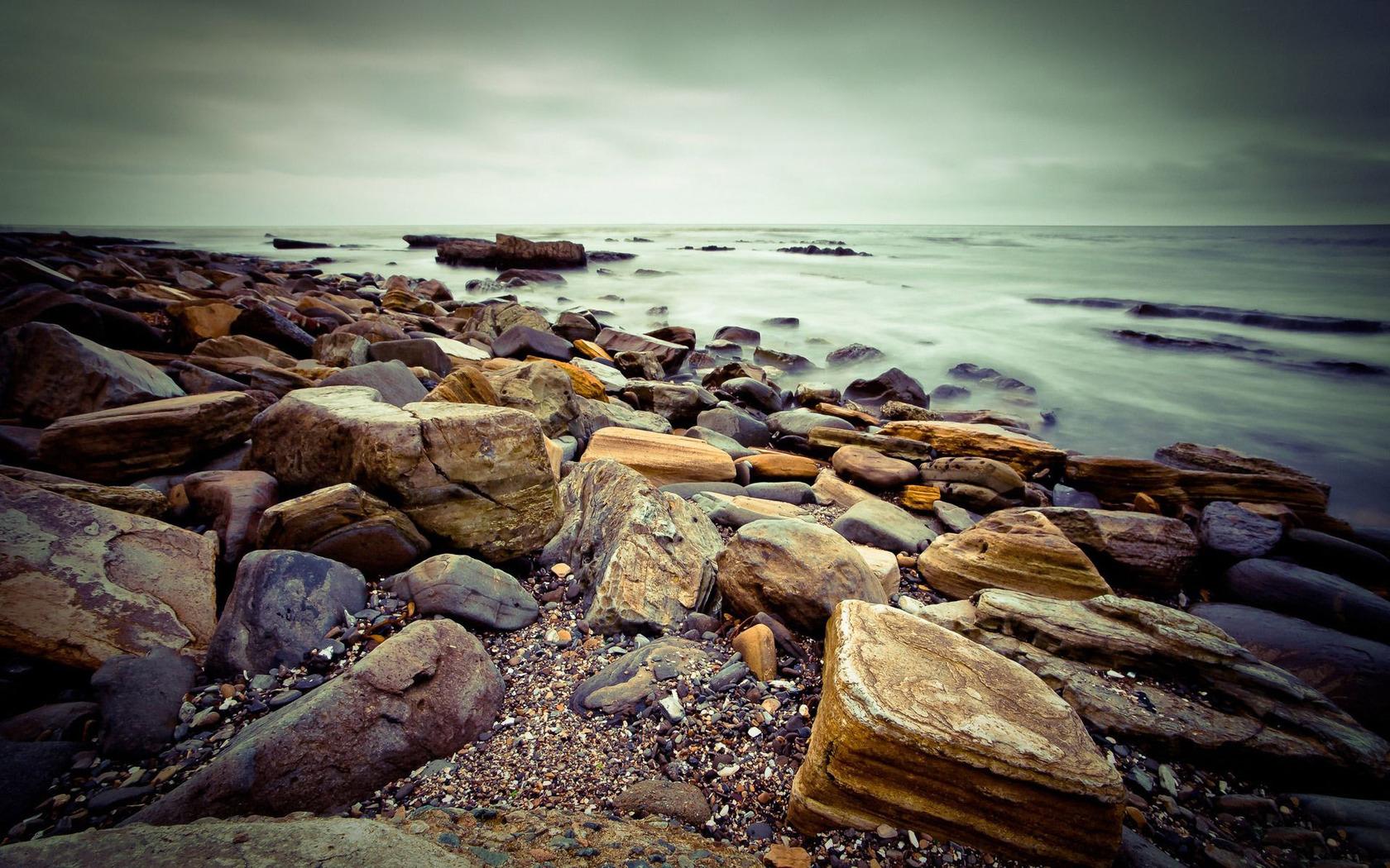 rocky shore 33975