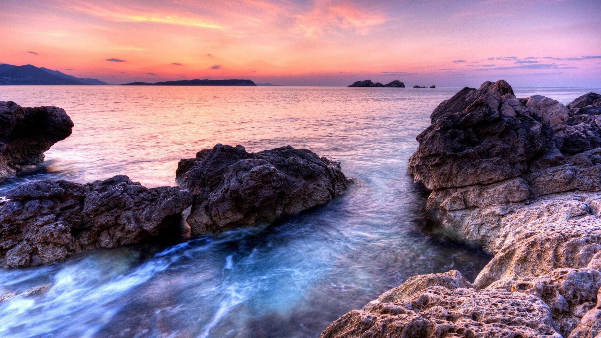 rocky shore 33976