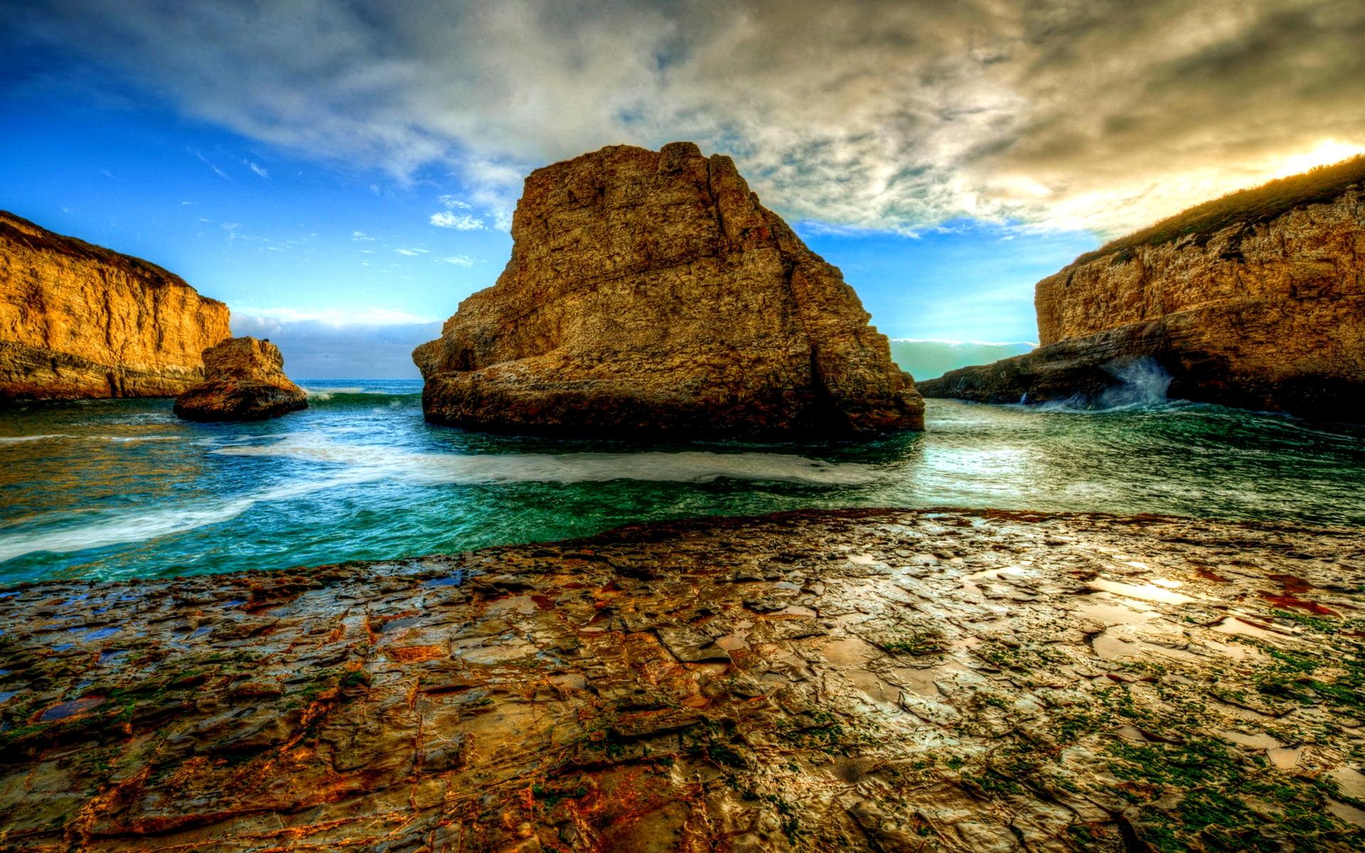 rocky shore background 33971