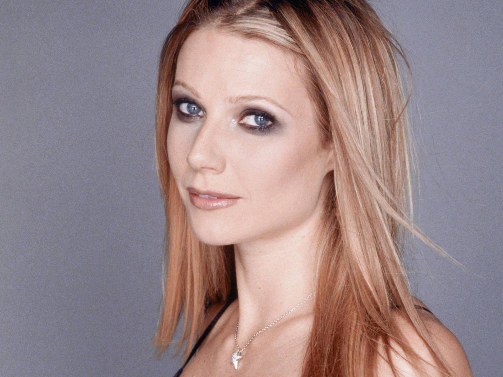 sexy gwyneth paltrow 23465