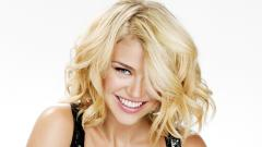 Beautiful Adrianne Palicki Wallpaper 19411