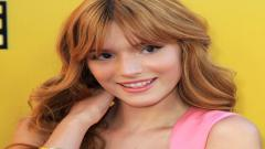 Bella Thorne 35413