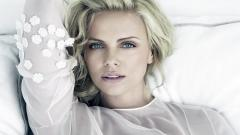 Charlize Theron 12479