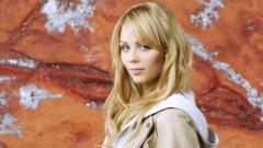 Laura Vandervoort Wallpaper 37813