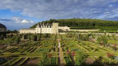 Pretty Chateau Wallpaper 39747
