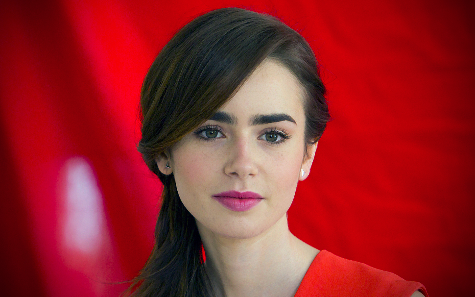 beautiful lily collins 34357