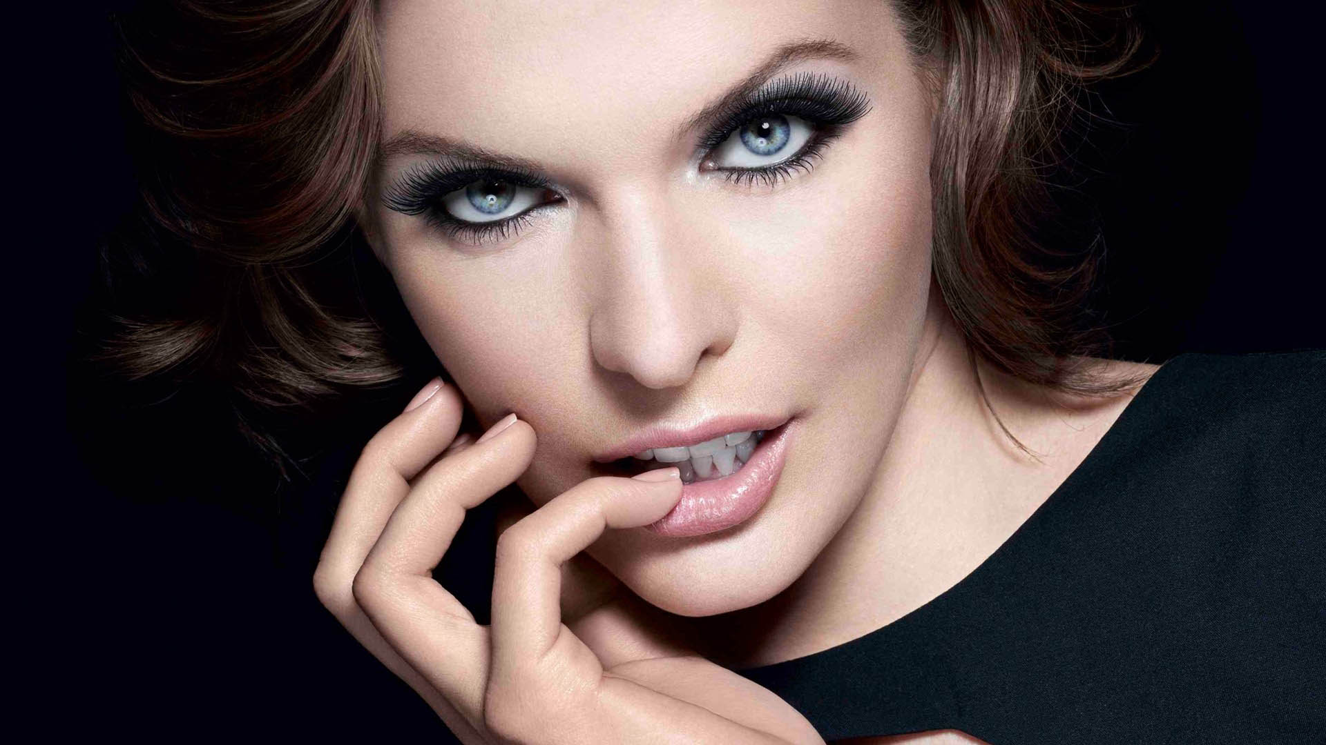 beautiful milla jovovich 31921