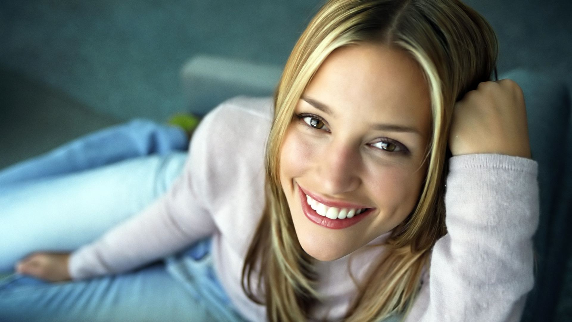 beautiful piper perabo 41050