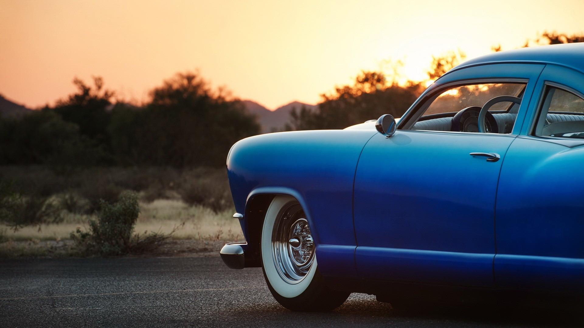 blue car 32618