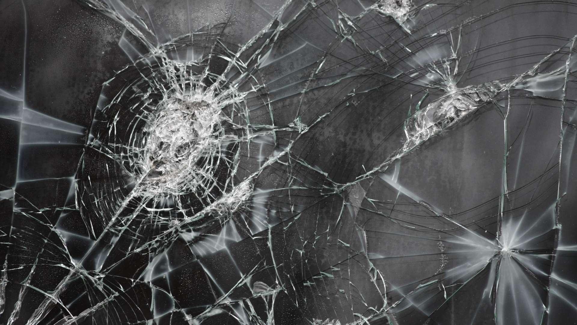 broken glass wallpaper 43520