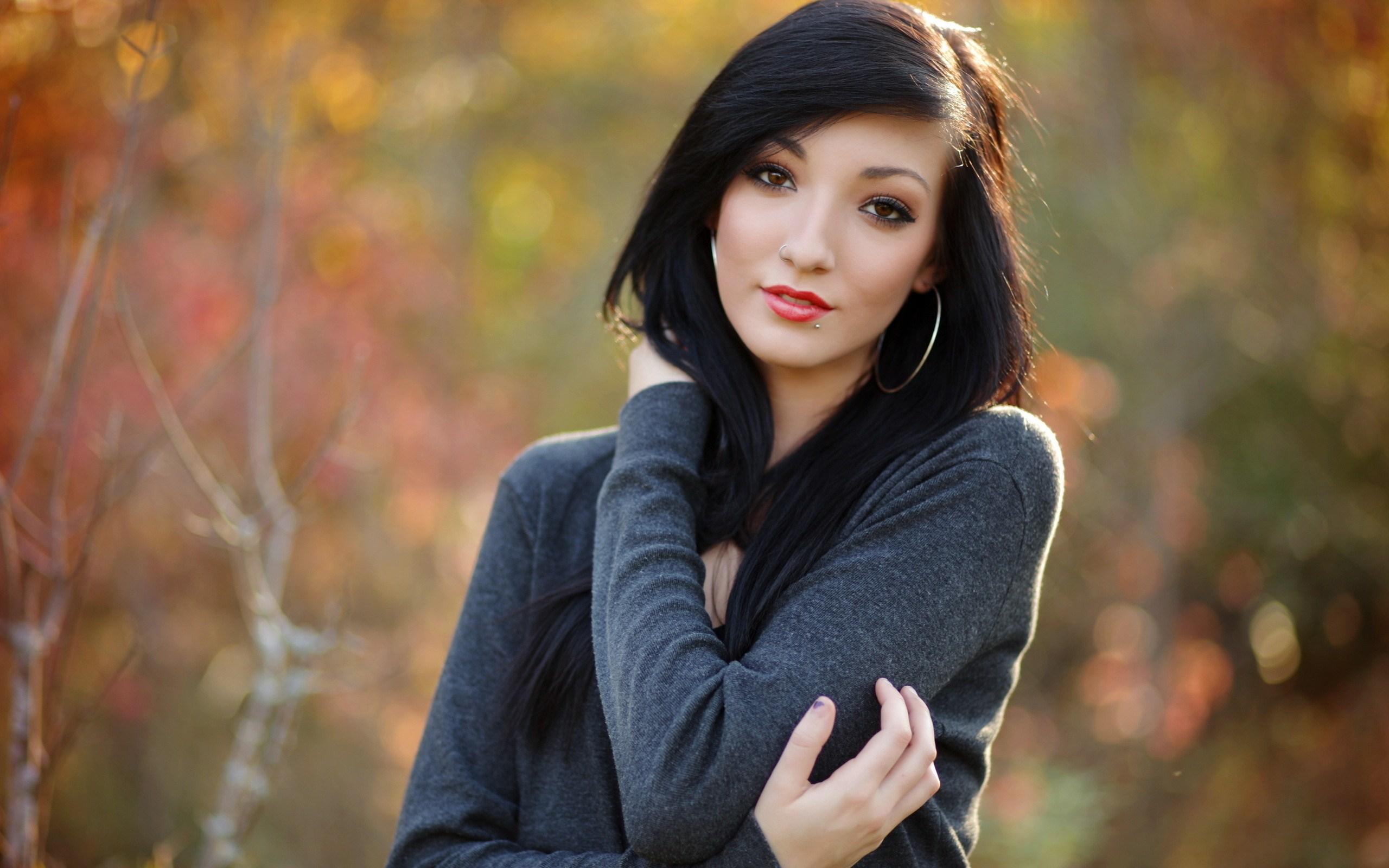 brunette background 32208