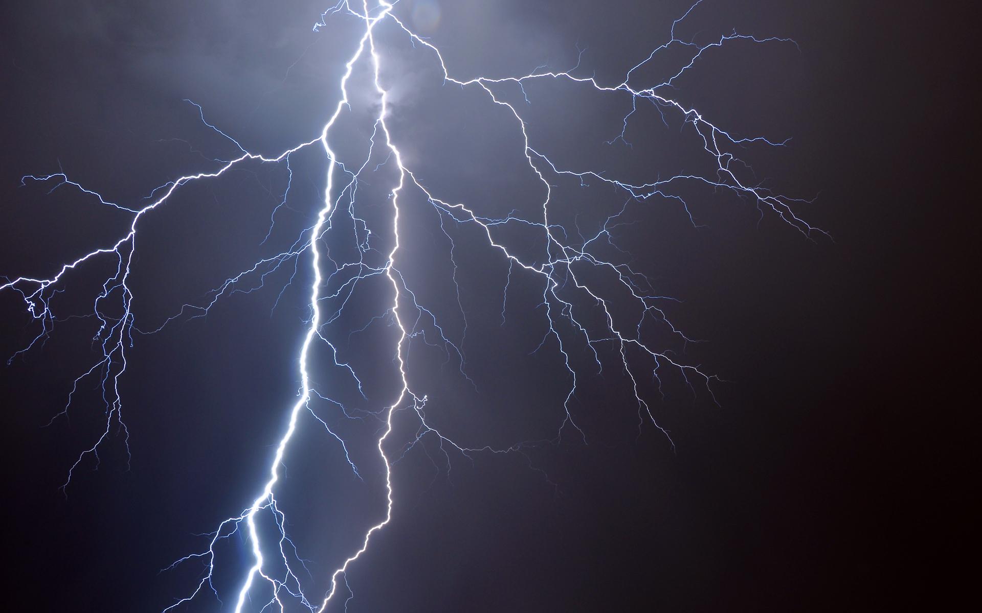 lightning 33471