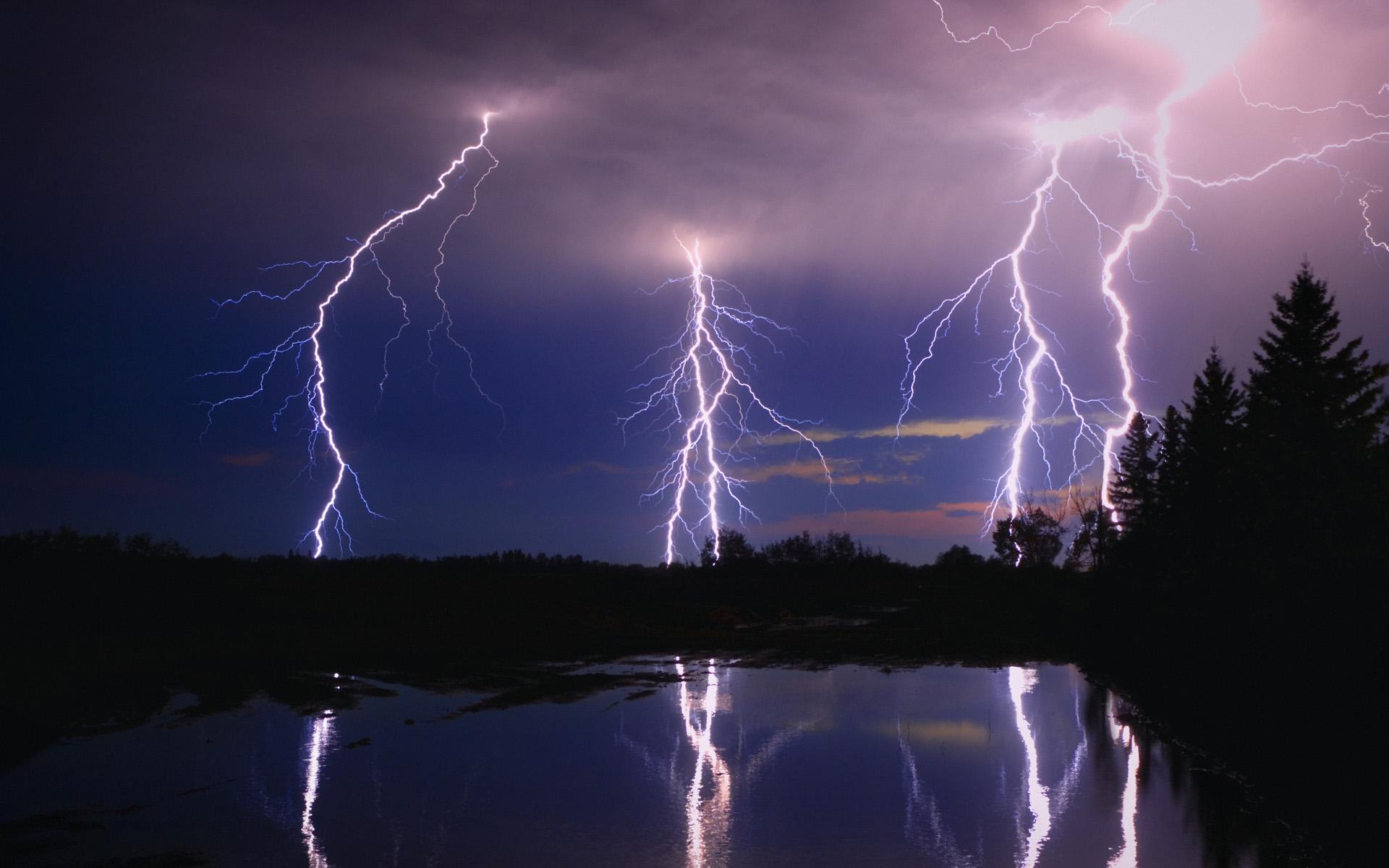 lightning wallpaper 33479