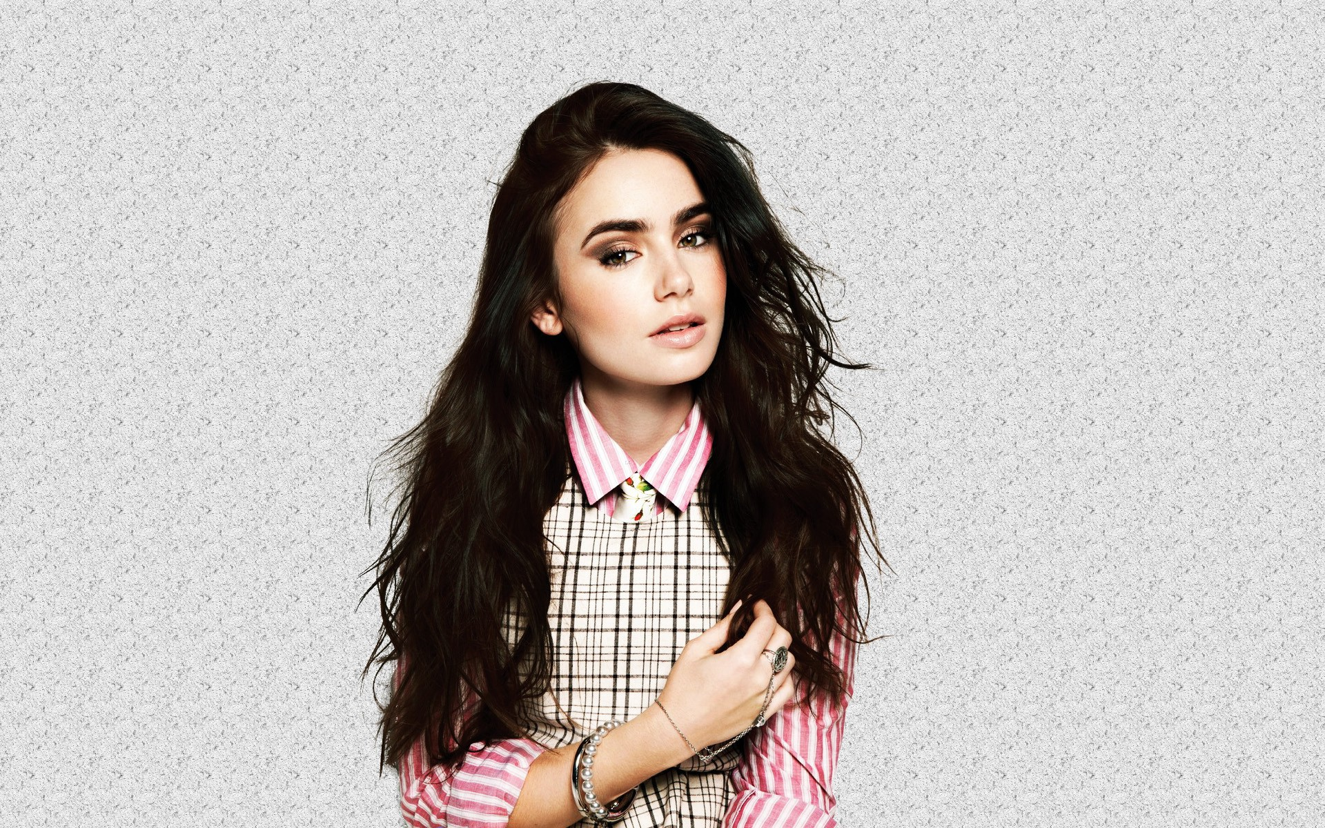 lily collins 34365