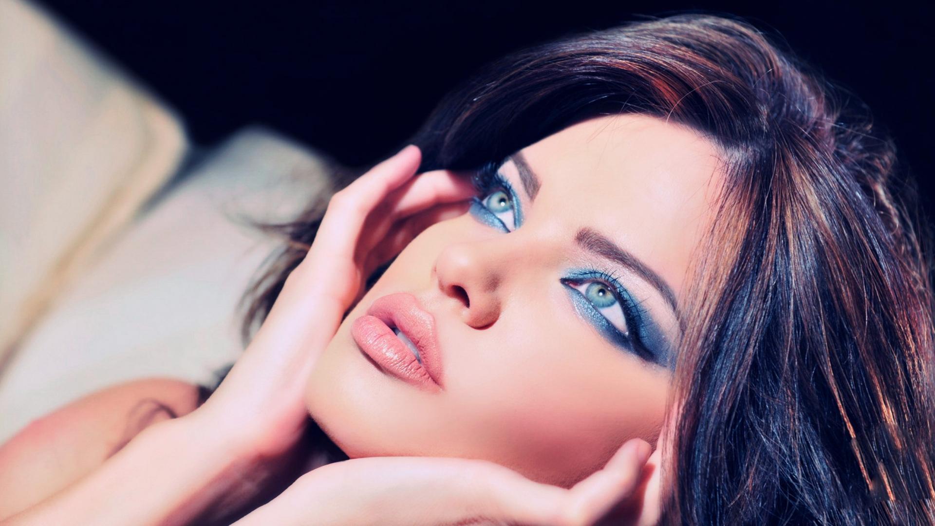 animated makeup wallpaper - photo #31