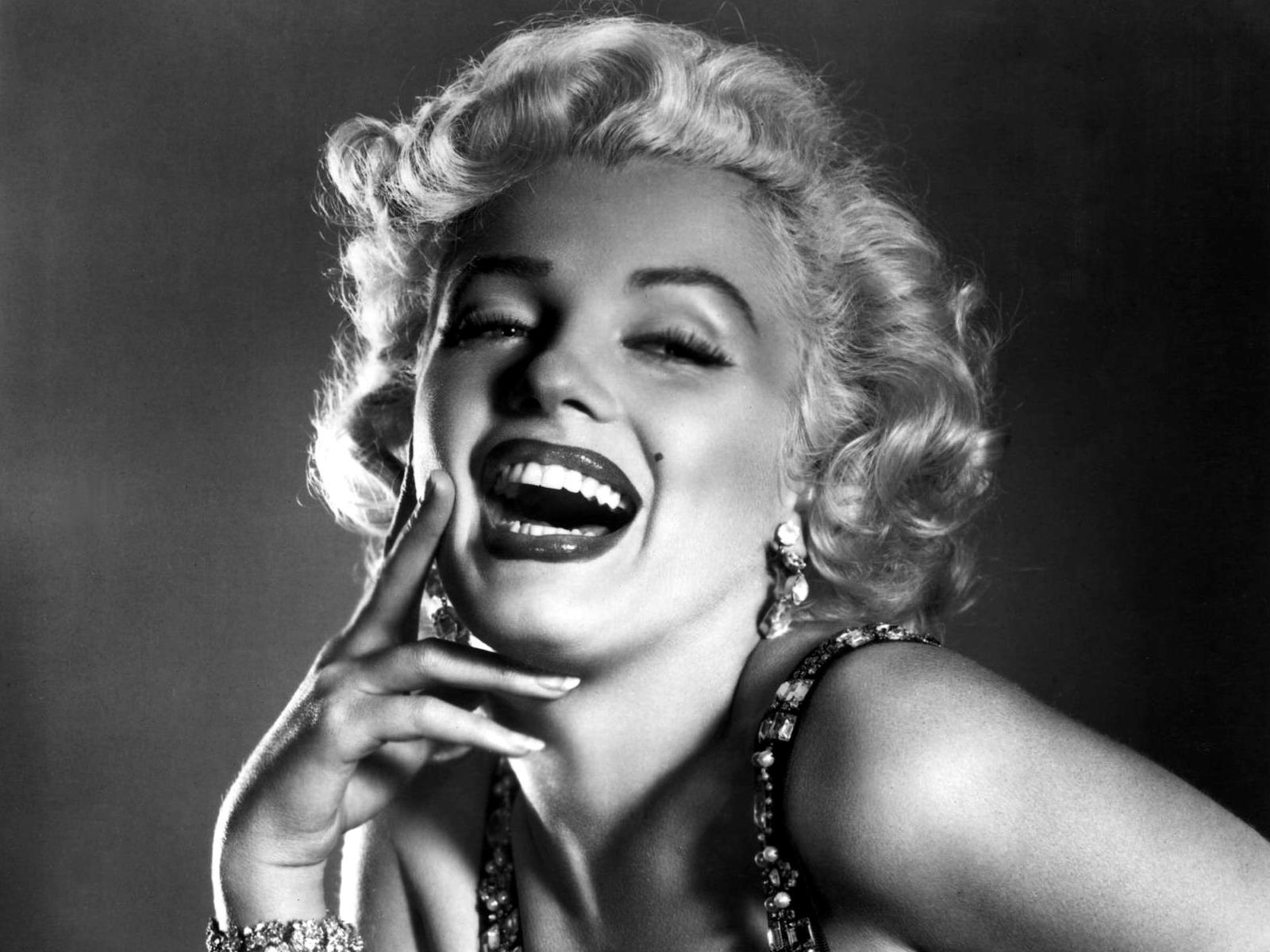 Marilyn Monroe Wallpaper 17640 1600x1200px