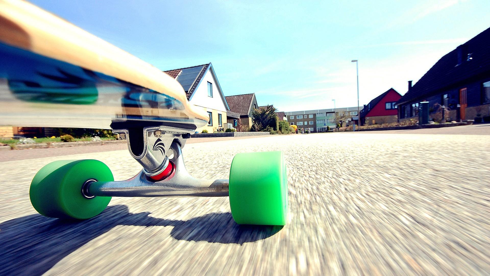 skateboarding 35513