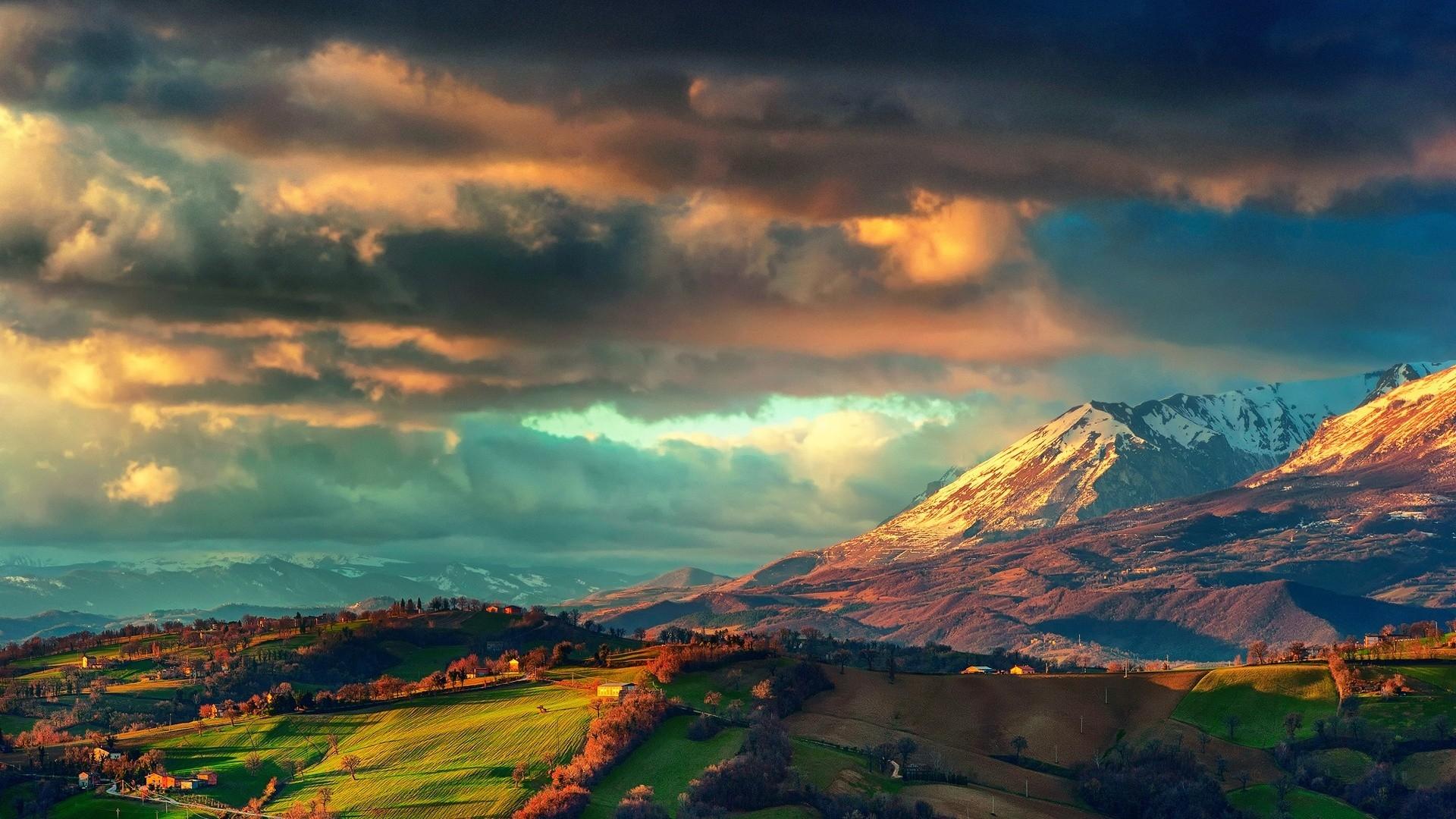 stunning mountain valley 29908