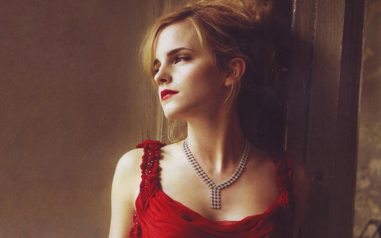 stunning red dress wallpaper 34991