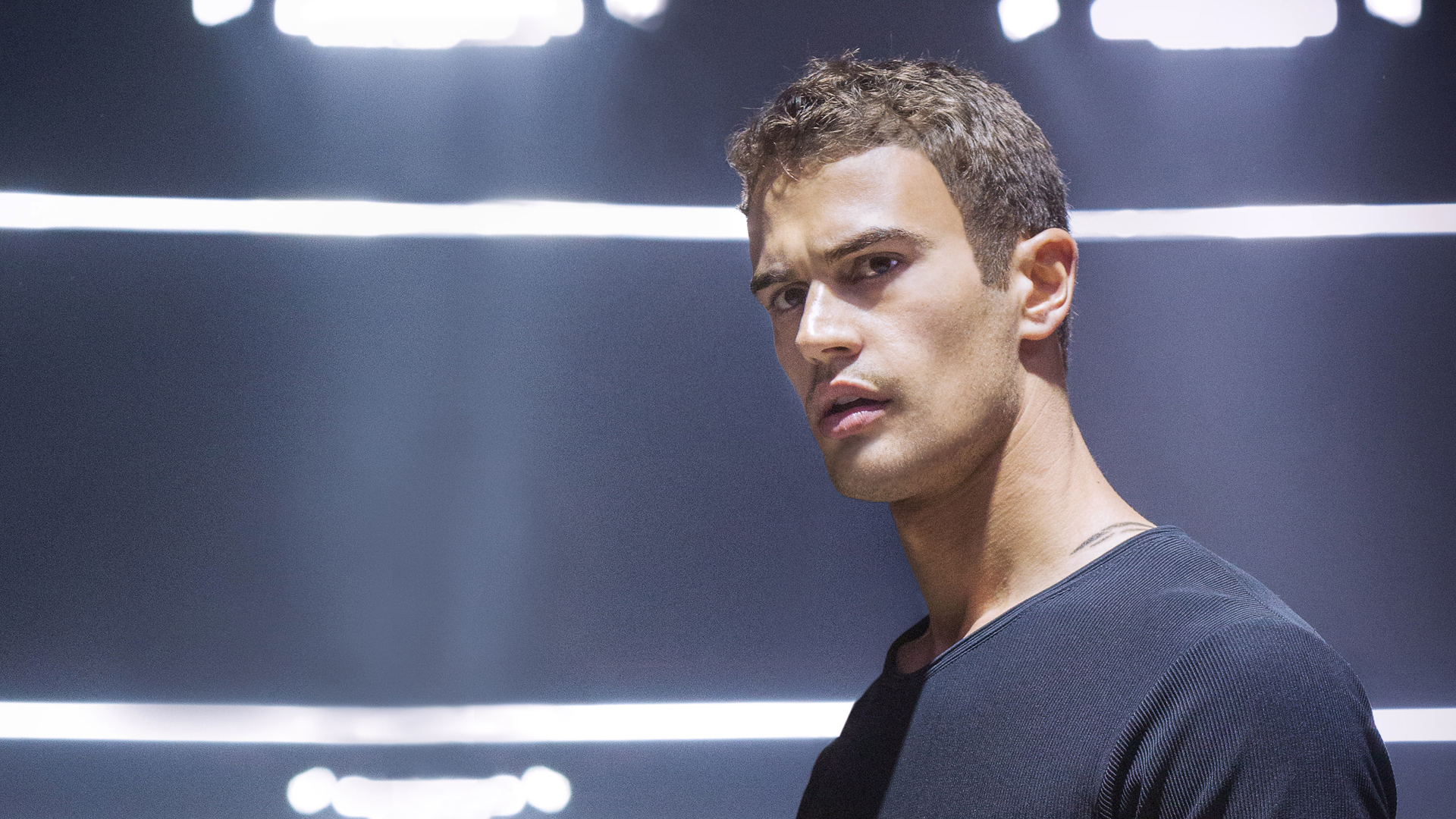 Download Theo James 37141 1920x1080 Px High Resolution Wallpaper