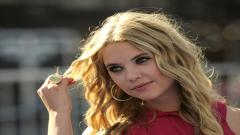 Ashley Benson Pictures 35263