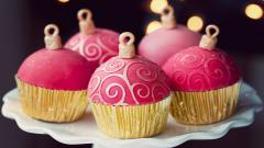 Cute Holiday Cupcakes Wallpaper 41096