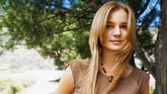Emily Vancamp Wallpaper 34658