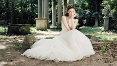 Lovely Dress Wallpaper 35587