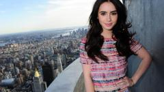 Stunning Lily Collins 34371