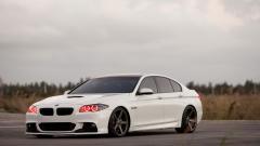 White BMW 32606