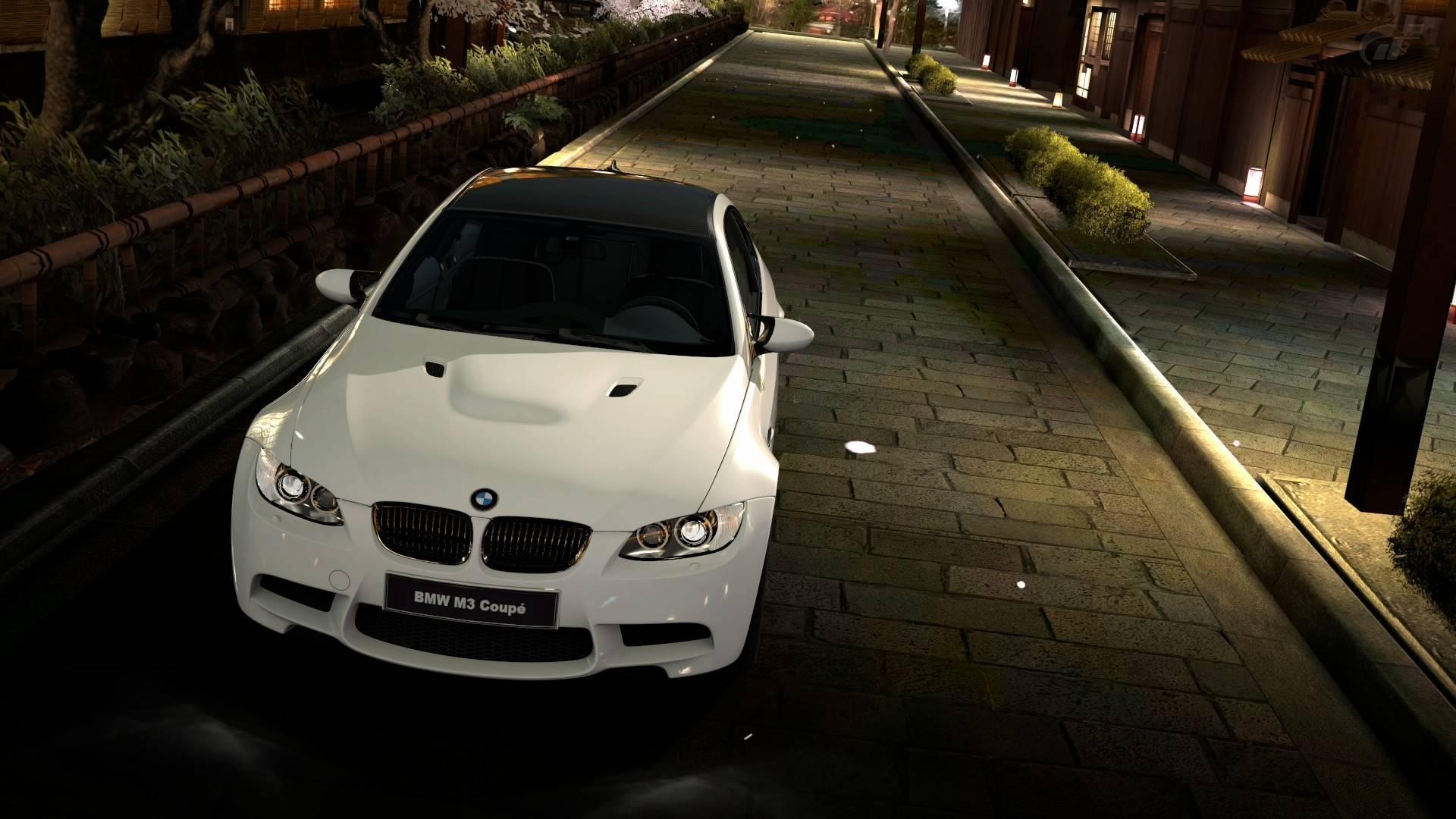 white bmw 32592