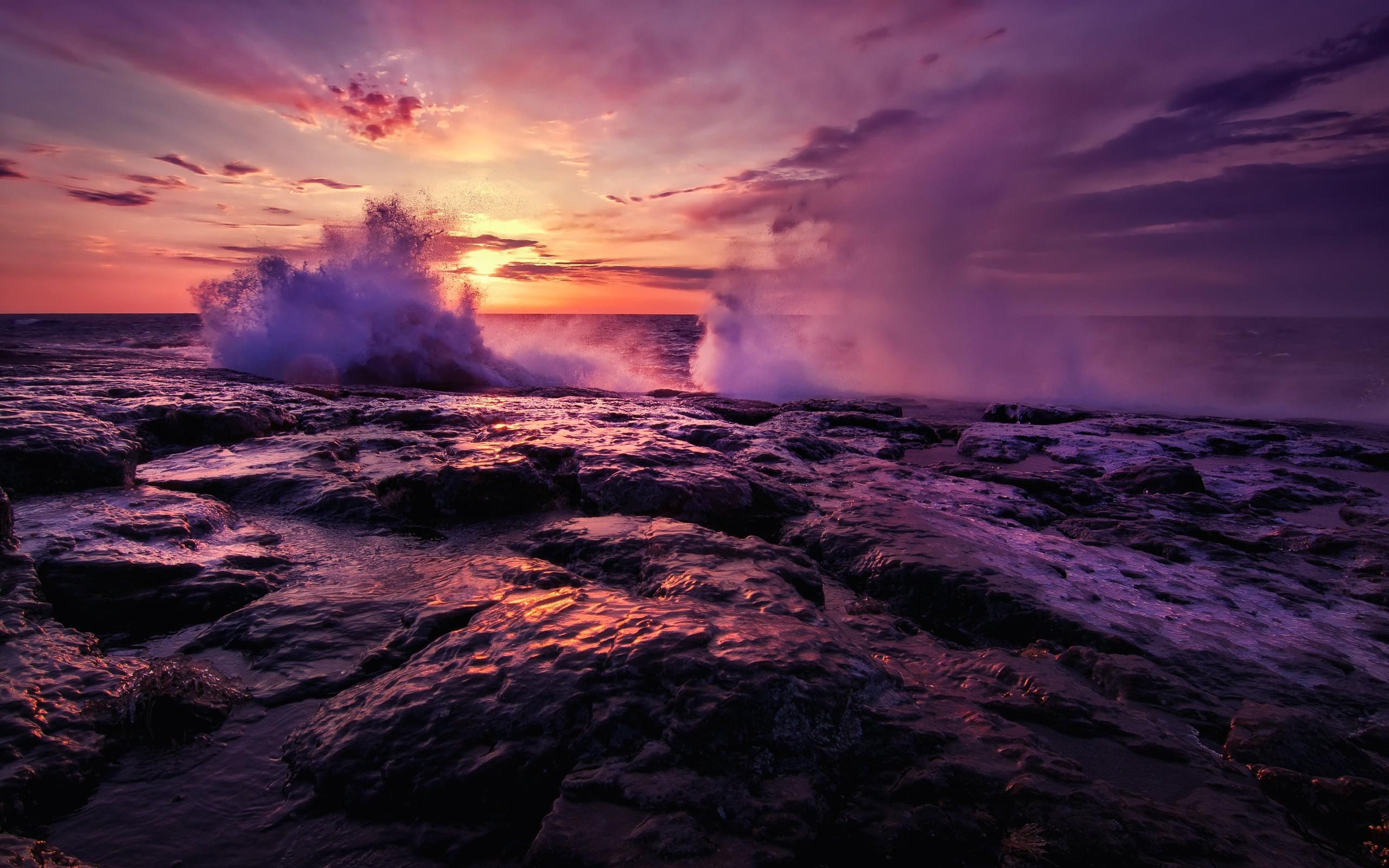 crashing waves 35058