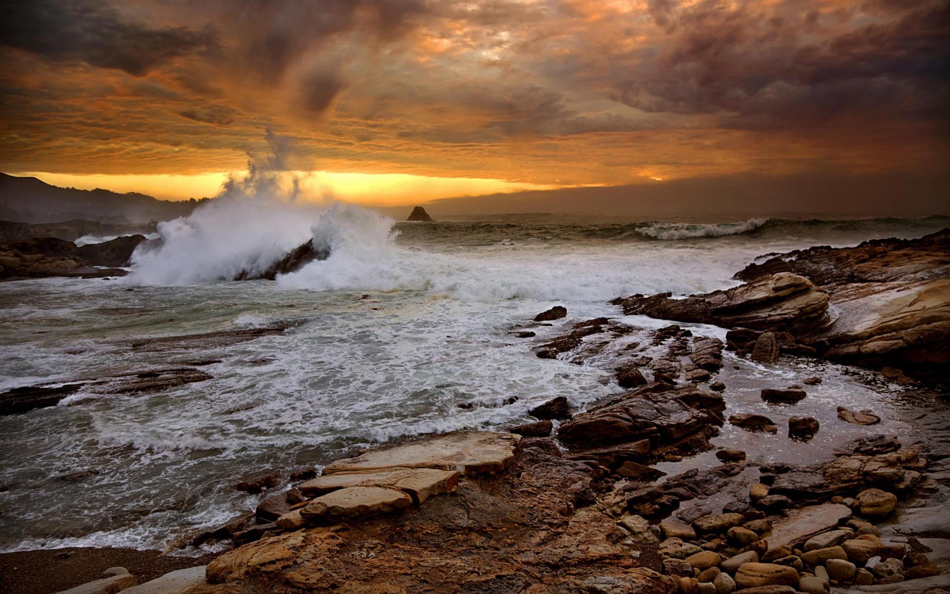 crashing waves 35059