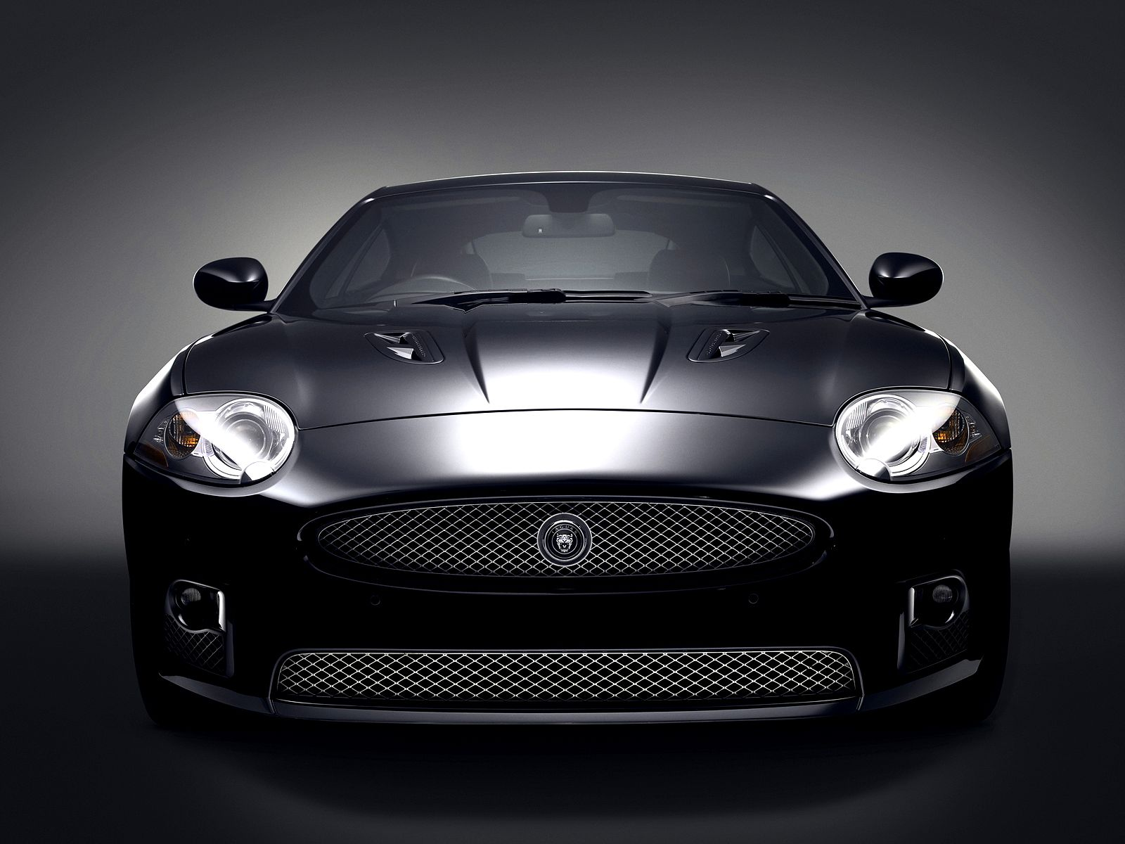 jaguar xkr 26077