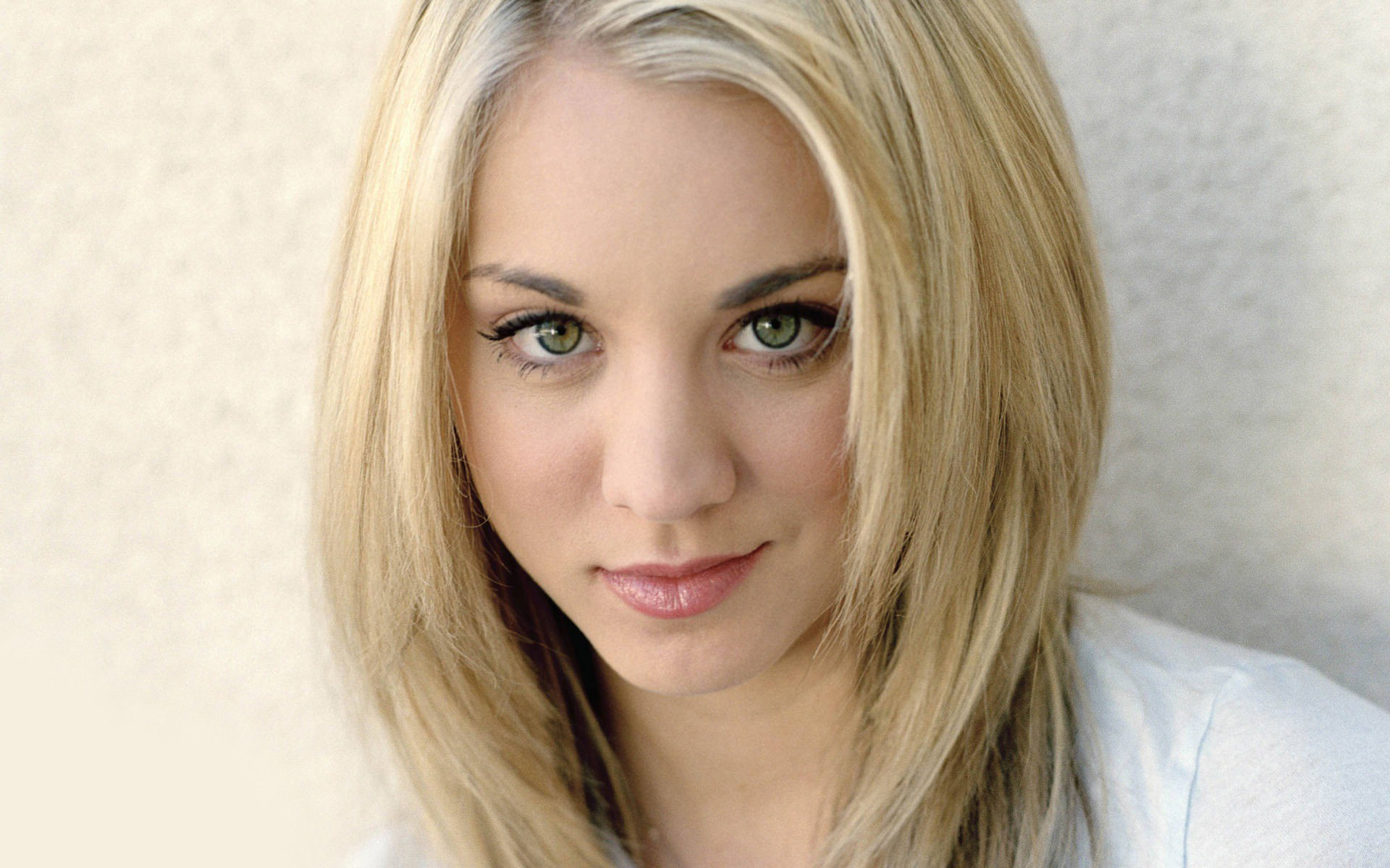 kaley cuoco wallpaper 25666 1920x1200 px ~ hdwallsource