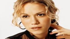Bethany Joy Pictures 40808