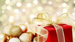Christmas Ornaments Background 38750