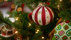 Cute Christmas Ornaments Wallpaper 38746