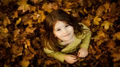 Cute Little Girl Wallpaper 33625