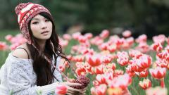 Girl Beanie Wallpaper 43390