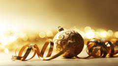 Gorgeous Christmas Ornaments Wallpaper 38753