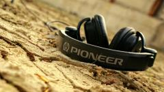Headphones Wallpaper 35705