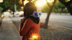 Lovely Girl Flowers Street Wallpaper 44580