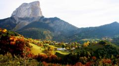 Mountain Village Wallpaper 38567