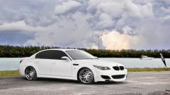 White BMW m5 Wallpaper 43988