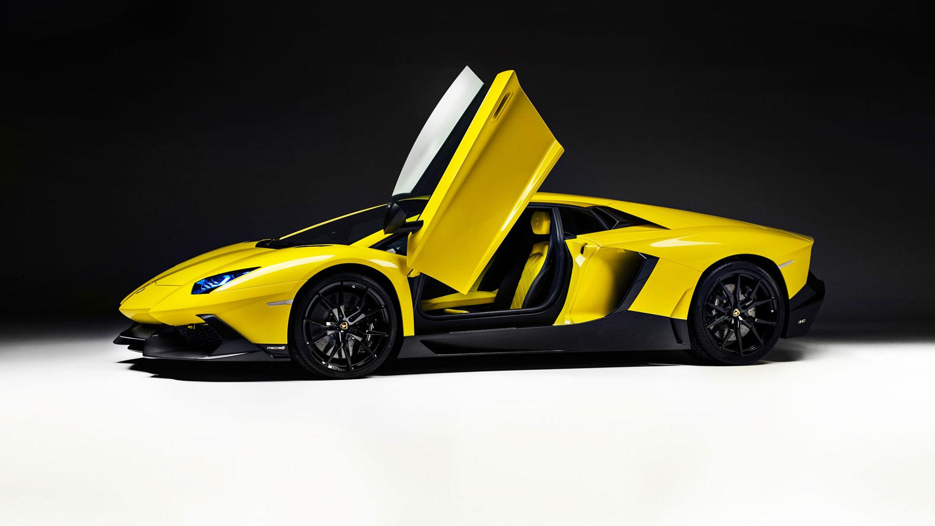 yellow lamborghini 35099