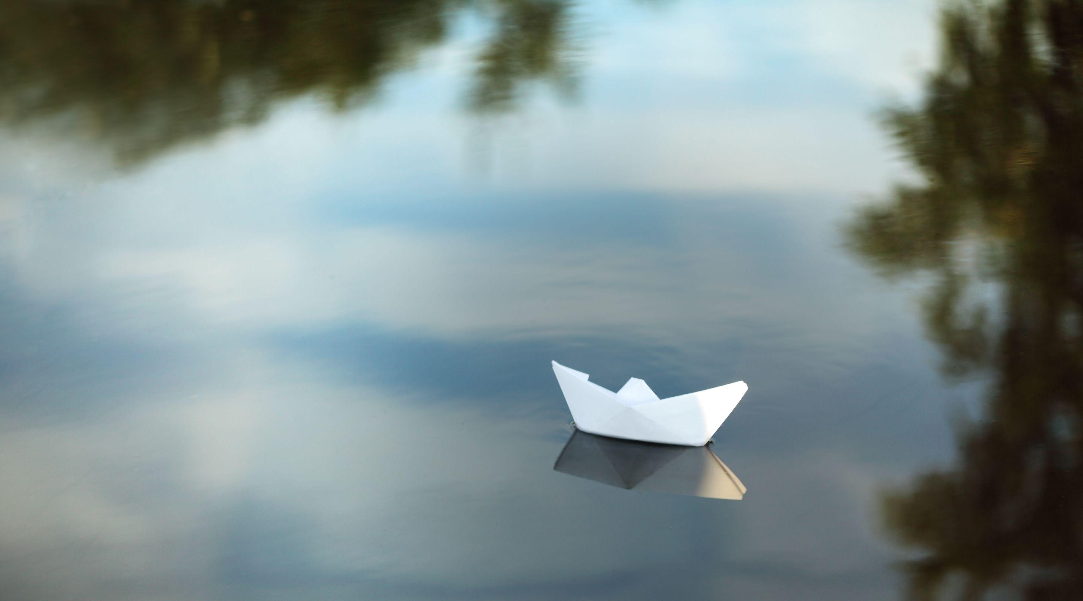 lovely paper boat wallpaper 45666