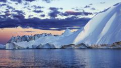 Gorgeous Iceberg Wallpaper 45695