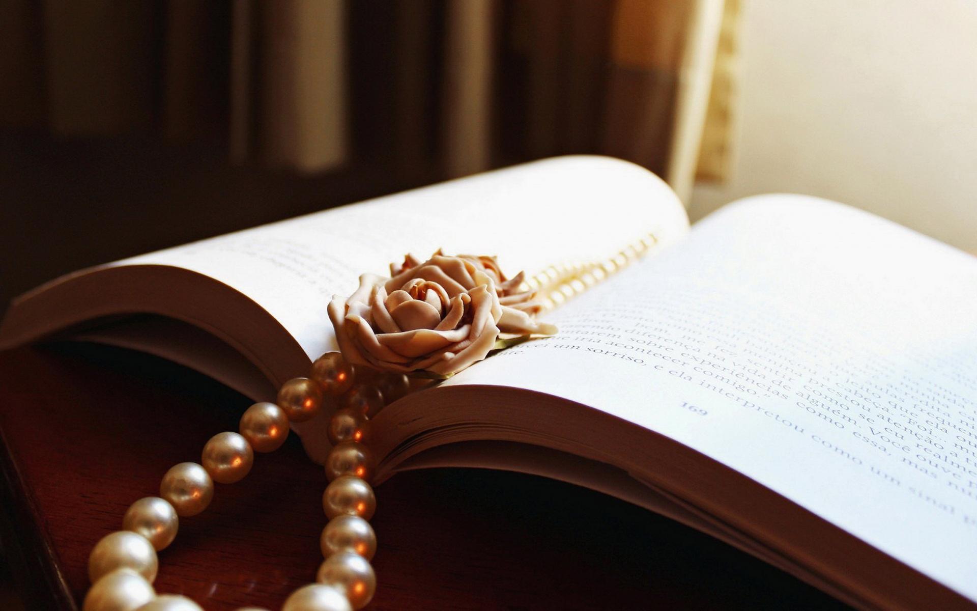 lovely pearls wallpaper 46076